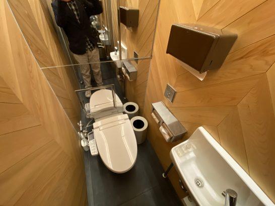 銀座ミュージックバーのトイレ