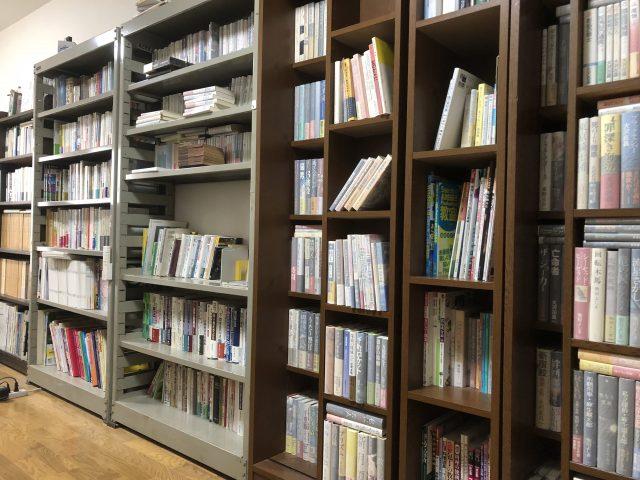 初版本コレクションの書棚