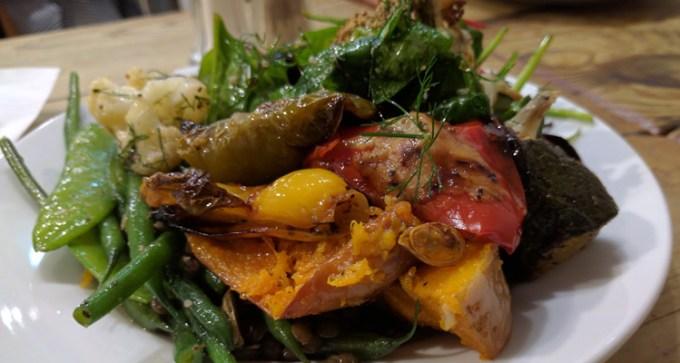 Vegetarian buffet at Foodilic