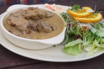 Beef in a creamy pepper sauce