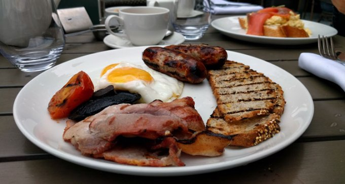 English breakfast at Browns
