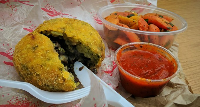 St Nicholas street food market: Ciccio's L'Arancino - mushroom arancino