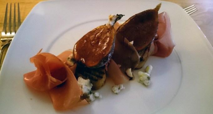 Caramelised fig, Parma ham and Roquefort