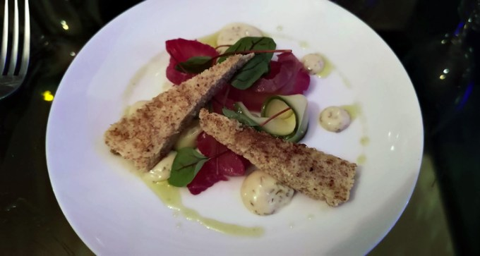 Scottish salmon gravadlax, with cucumber pickle and dill mustard mayonnaise, toasted soda bread