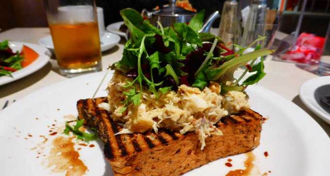 Crab on toast