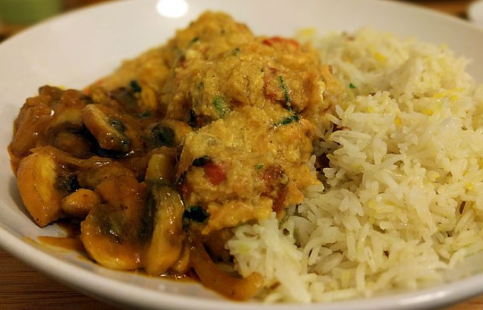 Moglai chicken with mushroom bhaji