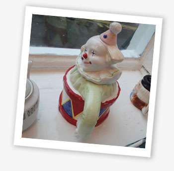 Clown/drum teapot
