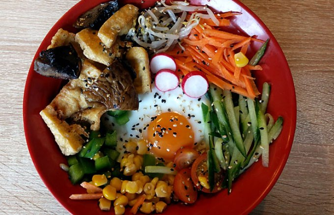 Tuk-Tuck: mushroom and tofu bibimbap
