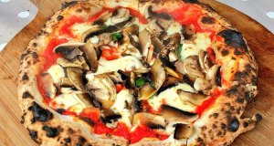 Wood Chop Pizza: Portobello mushroom