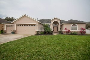 Front of 14618 Pine Lake St Clermont FL