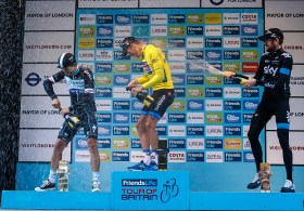 Podium fun as Wiggo decides to start the champagne shower early
