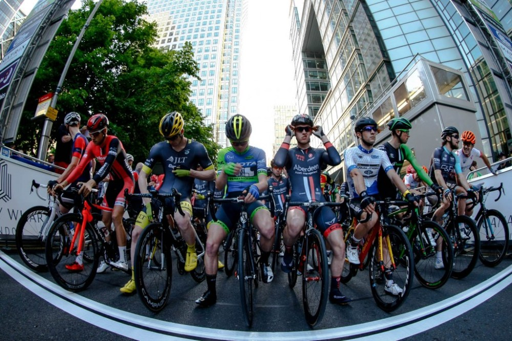 Ready on the start line. Pearl Izumi Tour Series. Round 8 Canary Wharf.