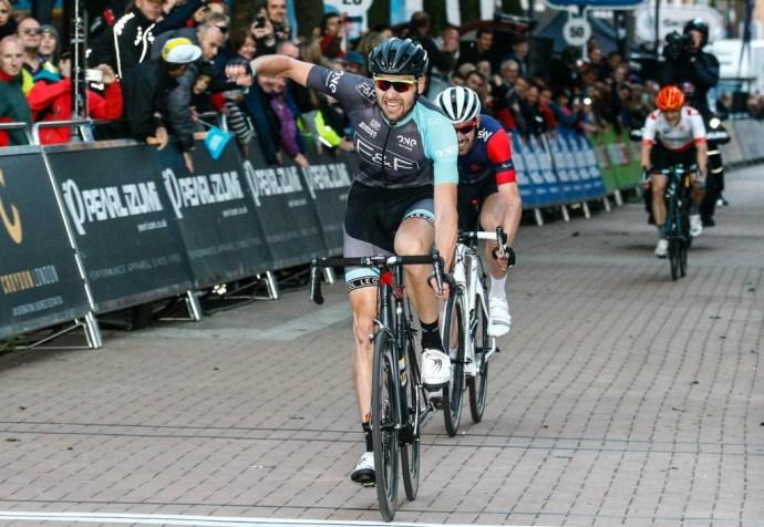 Pearl Izumi Tour Series 2015. One Pro Cycling's Marcin Bialoblocki celebrates crossing the line first. Pearl Izumi Tour Series. Round 7 Croydon.