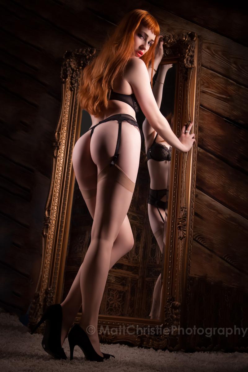 Elly Mirror