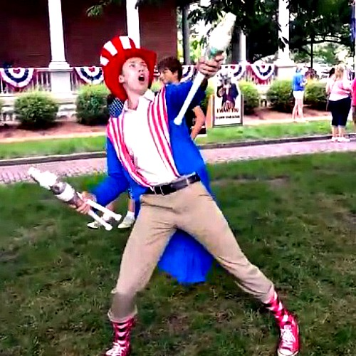 Patriotic Juggler