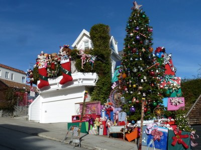 Christmas Tree House on 21st