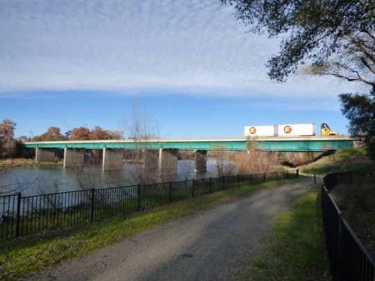 I-5 Bridge north of Red Bluff