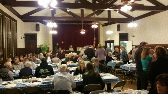 Petaluma Woman's Club crab feed