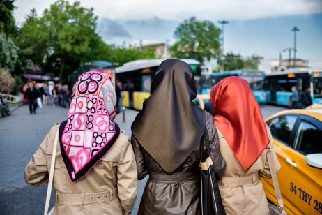 Three young women walking in the vicinity of the bus station. Istanbul, Turkey 2016. © Matteo Bastianelli