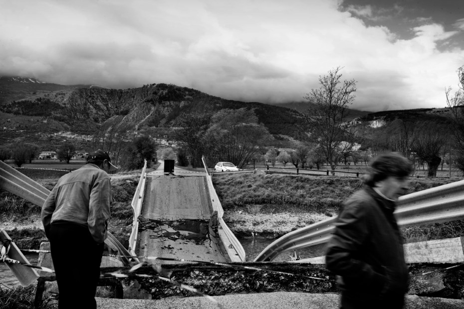 A collapsed bridge at Fossa, a small town a short distance from the regional centre of L'Aquila, Italy 2009. © Matteo Bastianelli