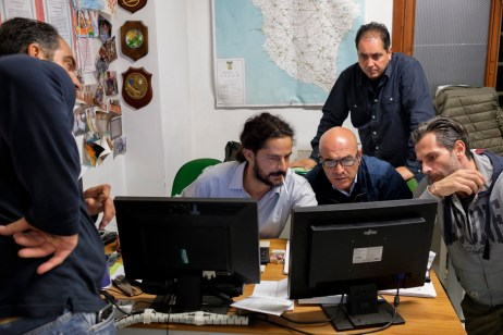 The commander of the Organized Crime Investigation Group (G.I.C.O.) along with soldiers from the Counter-narcotics Group (G.O.A.) in the tax unit of the Lecce financial police, are seen engaged in investigative operations. Lecce, Italy 2016. © Matteo Bastianelli