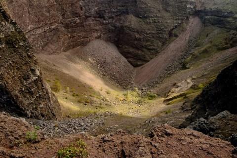 A view of the Vesuvius crater. Naples, Italy 2016. © Matteo Bastianelli