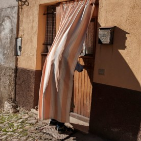 53-year-old Fabio Allegrini is about to walk into his house to recover clothes and personal items. After the earthquake, the entire historic centre has been evacuated. Norcia, Italy 2016. © Matteo Bastianelli