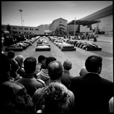 The State funeral for over 200 victims of the earthquake of 6 April. L'Aquila, Italy 2009. © Matteo Bastianelli