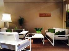 NINIX lounge, con al centro e a destra i prototipi per il 2015 del tavolo e il divano.