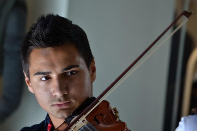 Violinista di strada -Mia fotografia scattata nei pressi del Duomo di Milano