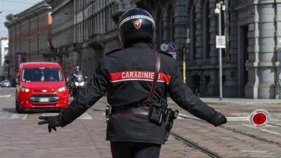 I carabinieri controllano chi è in giro