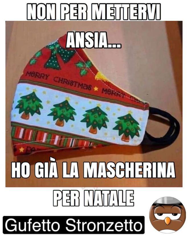Gufetto Stronzetto ha già la mascherina per Natale