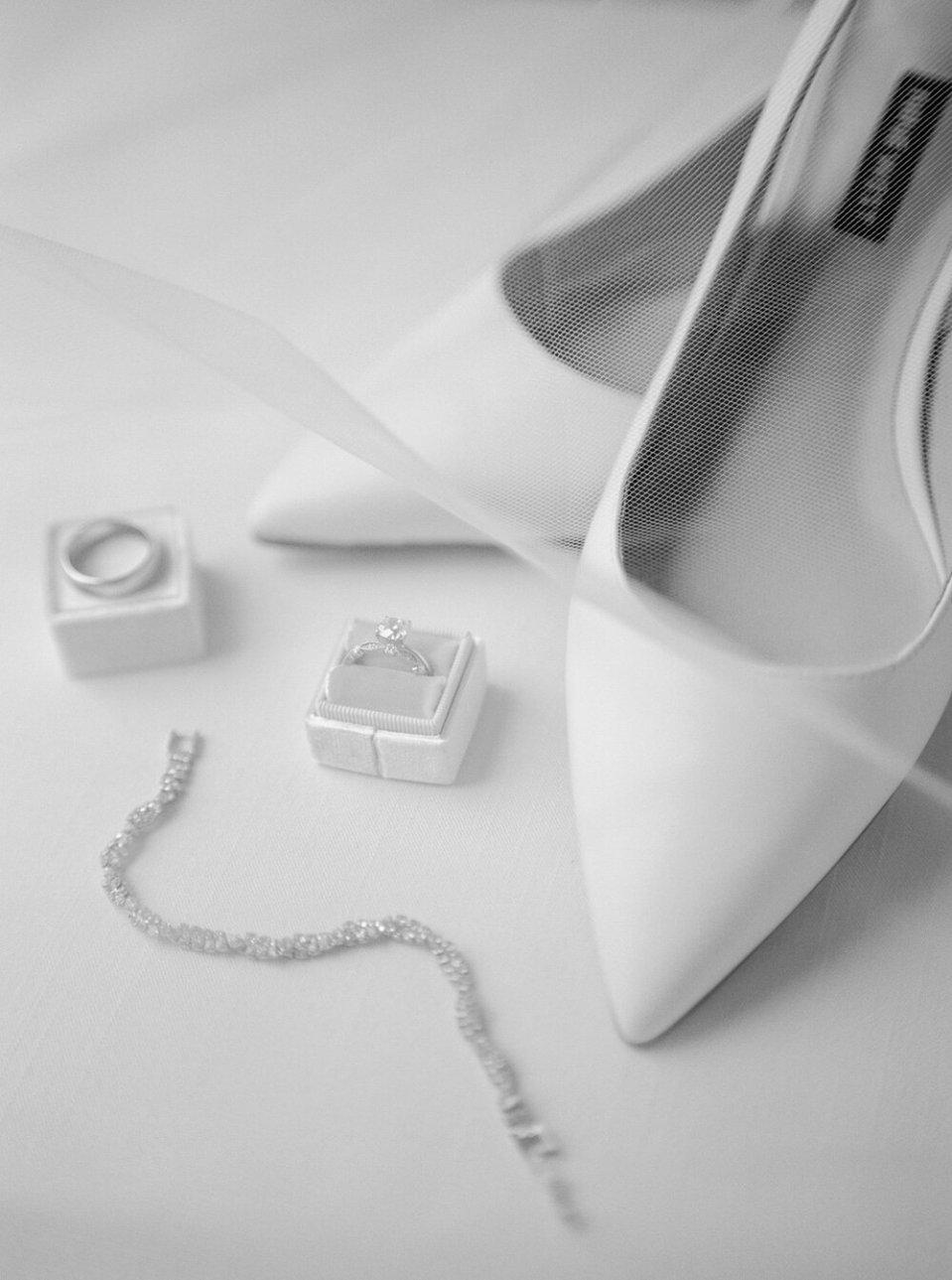 classic-spring-akron-wedding-13.jpg