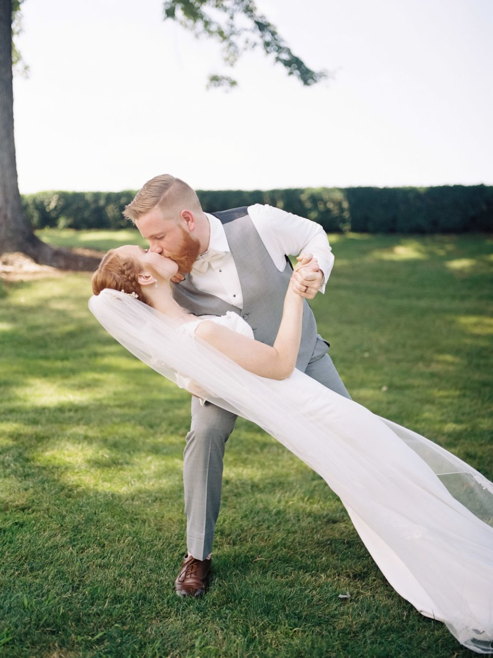 Romantic Summer Wedding in Ashland Ohio-31.jpg