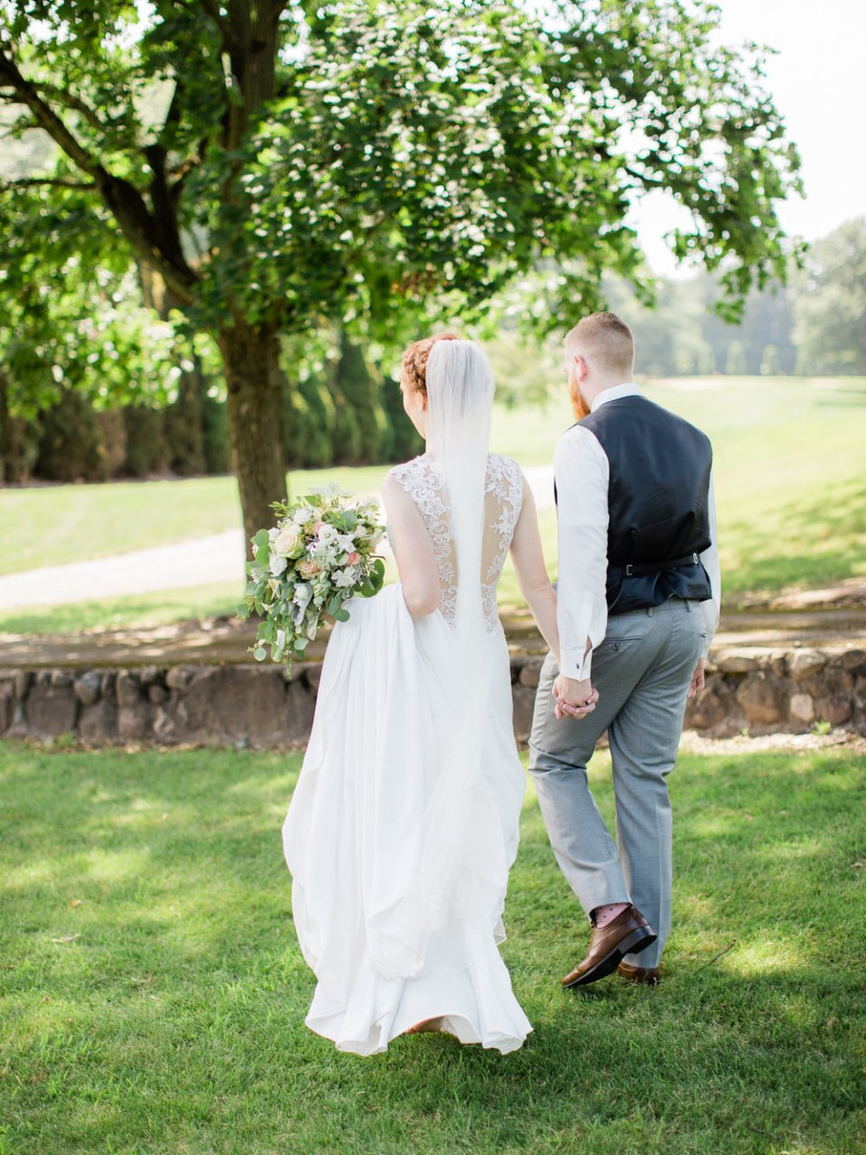 Romantic Summer Wedding in Ashland Ohio-33.jpg
