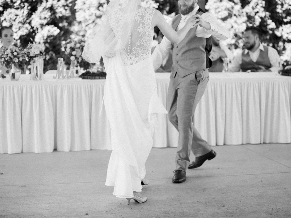 Romantic Summer Wedding in Ashland Ohio-35.jpg