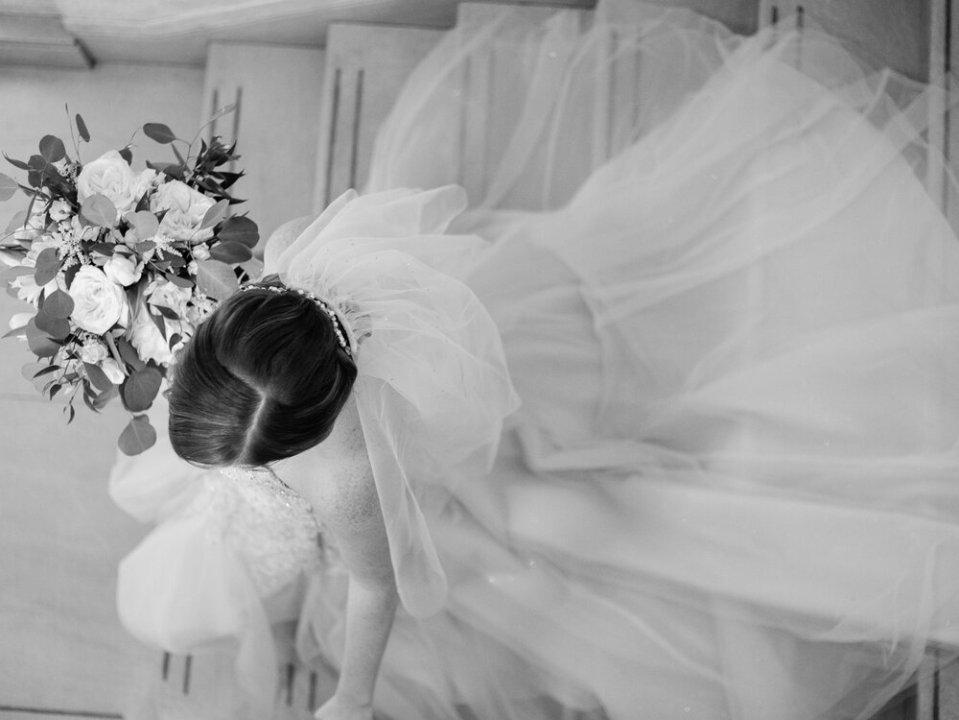 2 Intimate+Onesto+Wedding+by+Cleveland+Wedding+Photographer+Matt+Erickson+Photography.jpg