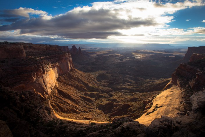 Sunrsie from a cliffs edge in Canyonlands NationalPark