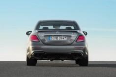Mercedes-AMG E 63 S 4MATIC+, Außenaufnahme ;Kraftstoffverbrauch kombiniert: 9,2 – 8,9l/100 km; CO2-Emissionen kombiniert: 209 - 203 g/km Mercedes-AMG E 63 S 4MATIC+, outdoor shot; Fuel consumption combined: 9,2 – 8,9 l/100 km; Combined CO2 emissions: 209 - 203 g/km