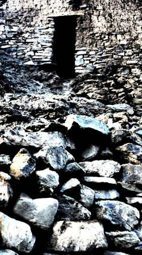 Abandoned stone hut on a Himalayan trail   Ladakh