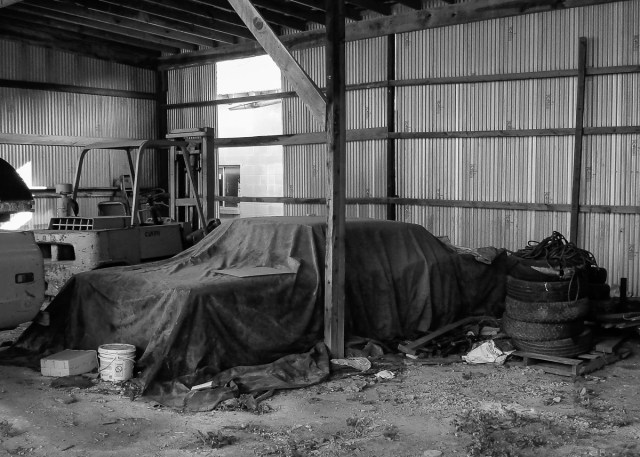 Urbex of an abandoned barn in East Texas