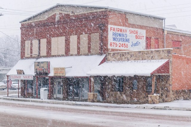 Fairway Shoe store in the Wills Point snow storm