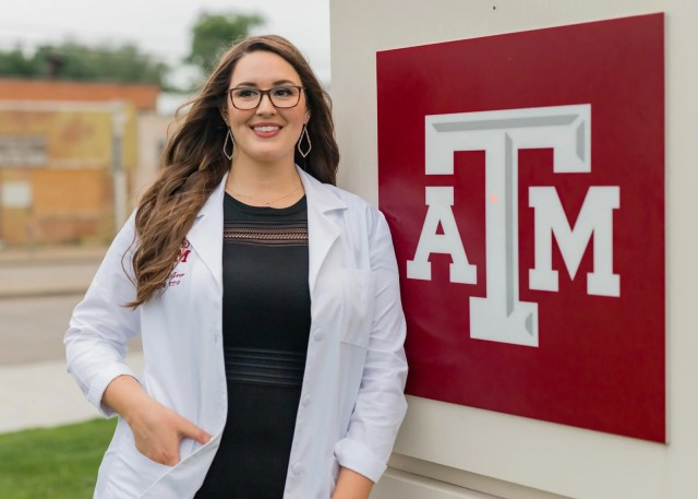 Andrea Rader Portrait, TAMU Dental Hygiene Class Of 2021