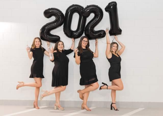 Creative Graduation Photos of the Texas A&M Dental Hygiene Class Of 2021