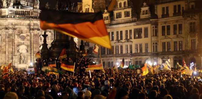 Deutsche Demonstranten in Dresden