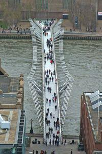 Die Millenium Bridge.