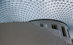 Die Kuppel der British Library besteht aus 1656 Paar Glasplatten.