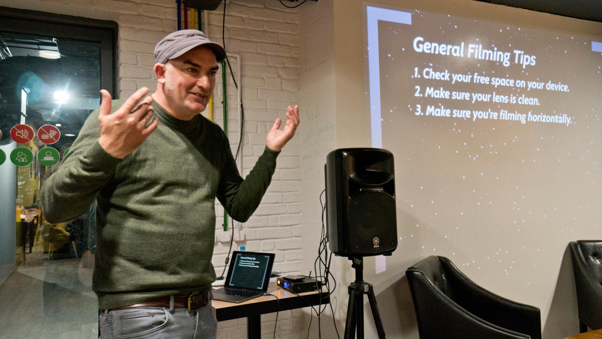 Matthias Süßen bei einem Mobile Journalism Workshop in Jerewan (Armenien)