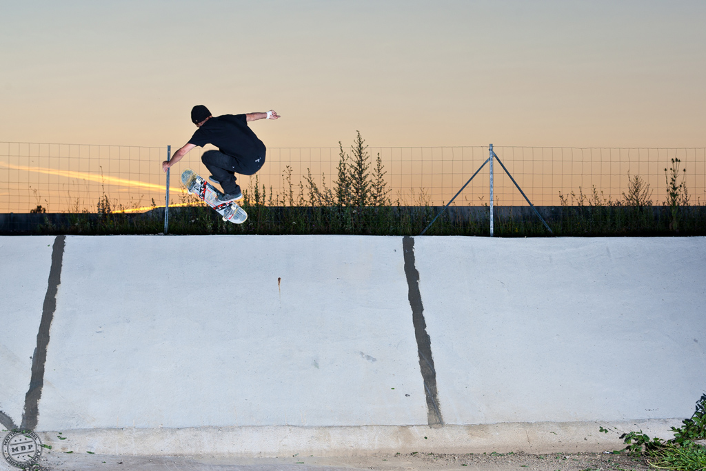 Skateboard – Summer Ditch Session