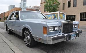 1980s lincoln town car hooptie